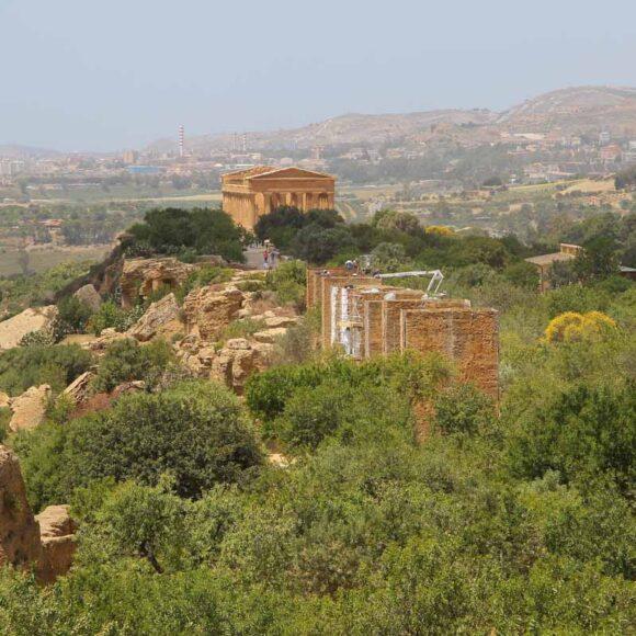Monumenta di Fabrizio Plessi – Valle dei Templi