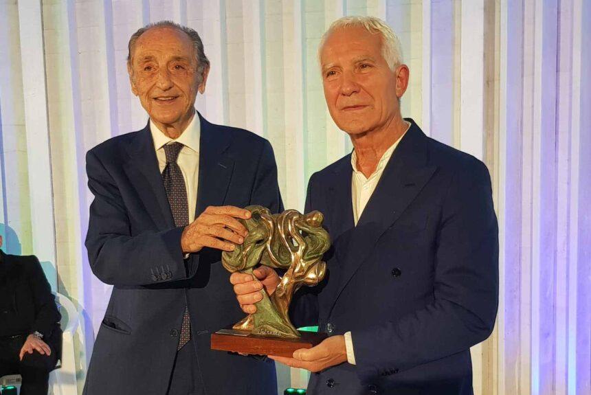 Doppio riconoscimento per il Prof. Emanuele