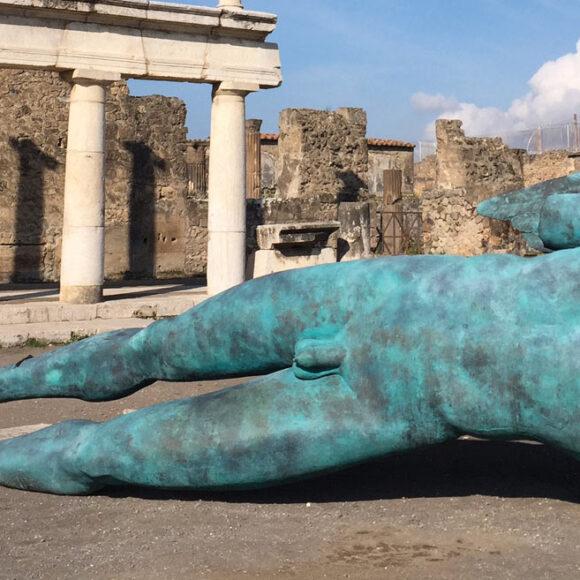 Mitoraj a Pompei, quando il bello si aggiunge al bello