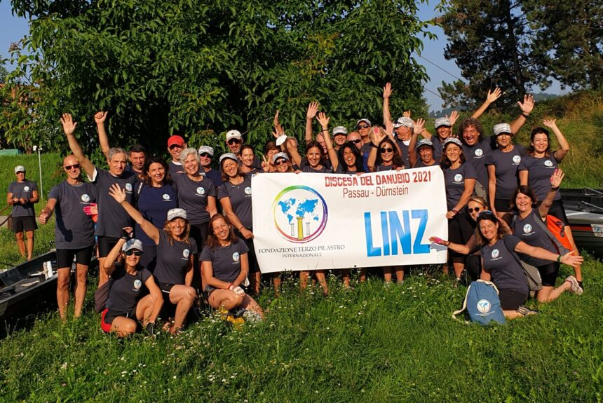 La discesa del Danubio a remi nel segno dell'inclusività